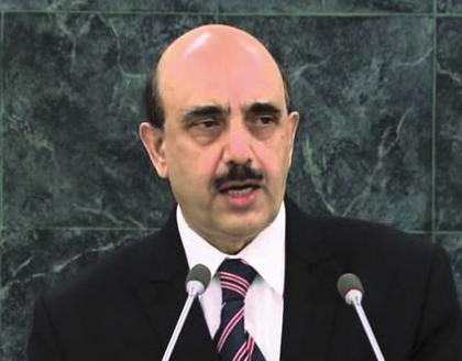 وزير التخطيط والتنمية الباكستاني يلتقي الرئيس الكشمير الحرة