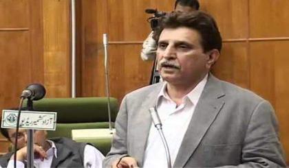 رئيس وزراء الكشمير الحرة يعزي في وفاة السياسي الباكستاني البارز جهانغير بدر