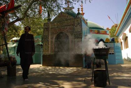 اليابان تدين وبأشد العبارات الهجوم الإنتحاري بضريح شاه نوراني في إقليم بلوشستان