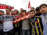 Football: Rival fans unite after Istanbul attacks