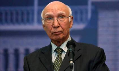 مستشار رئيس الوزراء الباكستاني للشؤون الخارجية ترحب بوساطة إيران لحل قضية كشمير بين باكستان والهند