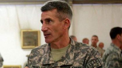 قائد القوات الأميركية في أفغانستان الجنرال جون نيكلسون يلتقي رئيس أركان الجش الباكستاني