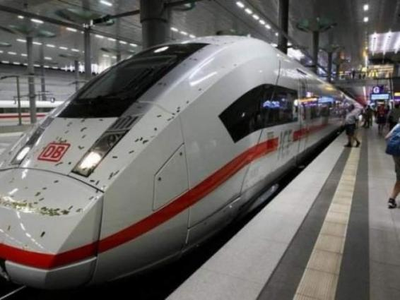 Crowdfunded train service takes on German rail giant