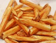 Woman stabs boyfriend on eating fries