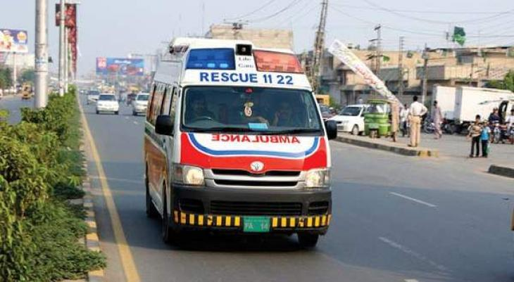 Three killed, 20 injured on road