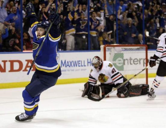 Tarasenko brace lifts Blues to outdoor win over Blackhawks