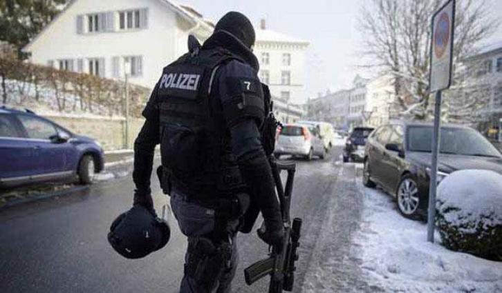 Gunman in Switzerland wounds 2 police, later kills himself
