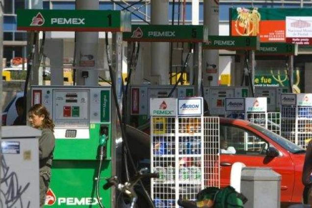 Mexico warns fuel price protests risk supplies