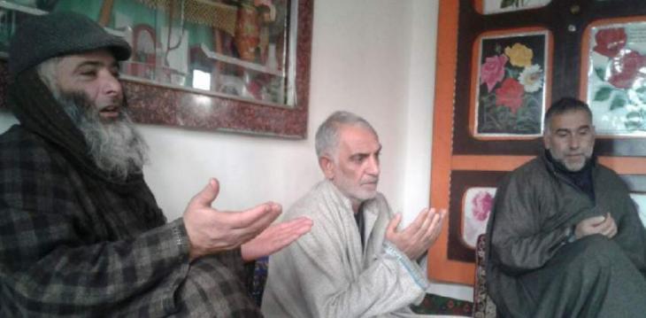 Zafar, Javed visit families of martyrs, pellet victims