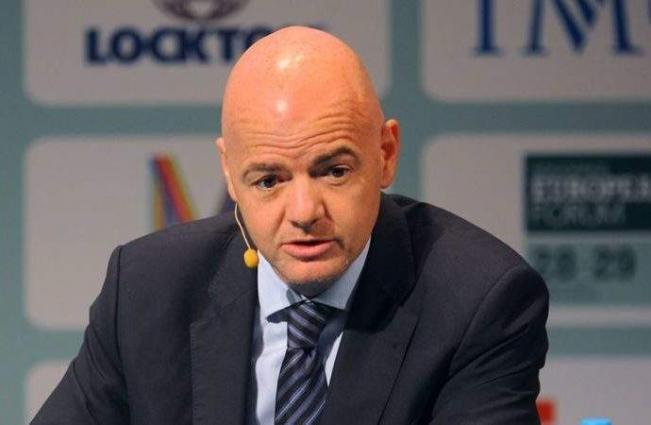 FIFA calls in mediators for staff troubles