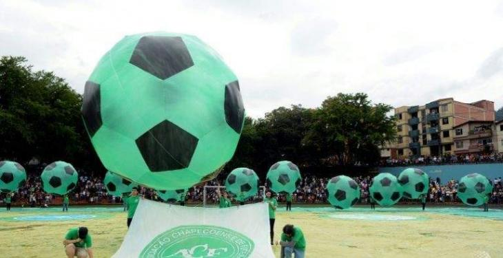 Brazil air crash team signs new players