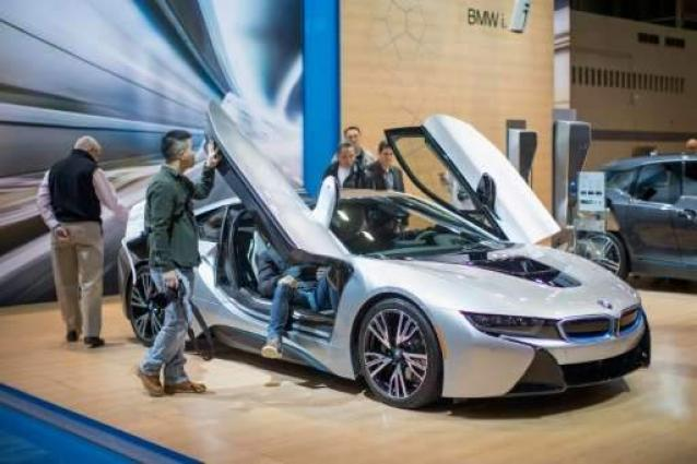 BMW launches first augmented reality dealerships