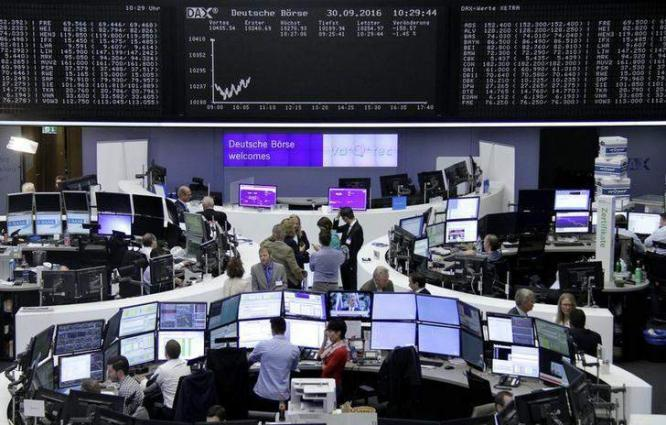 European stock markets fall at open