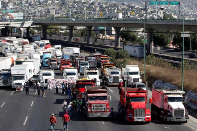 Looting erupts amid protests over Mexico gas price hike
