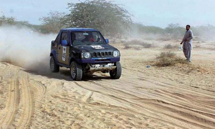 Commissioner reviews Cholistan Jeep Rally arrangements