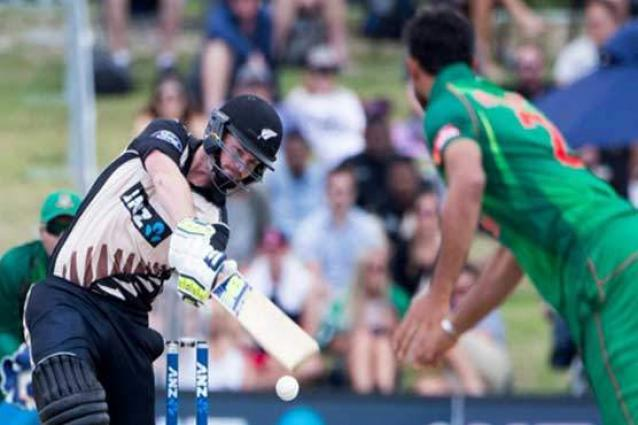 Munro smashes 101 as New Zealand post 195-7 in T20