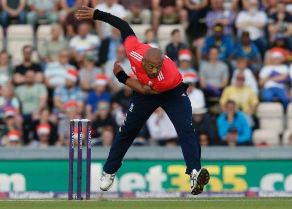 England paceman Mills replaces injured Badree in BBL
