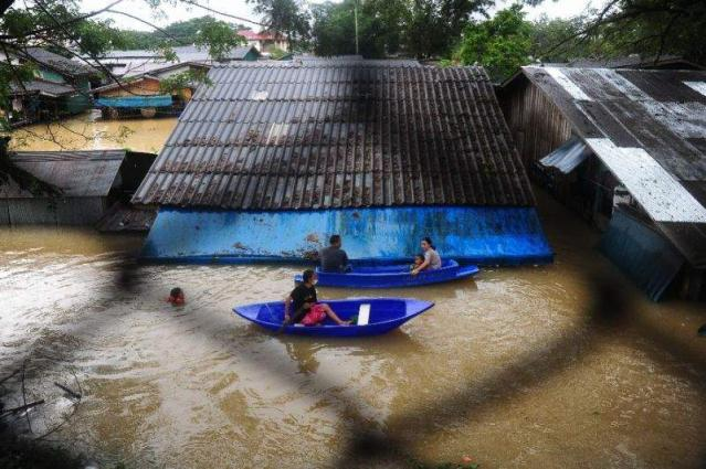 Floods spark chaos in Thai south