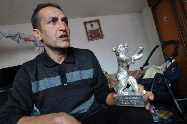 Bosnian actor sells Berlin film trophy to survive
