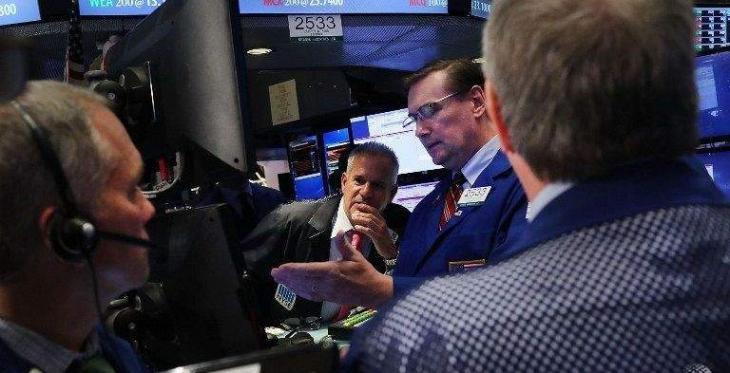 Dow misses 20,000 by a hair; tech shares strong