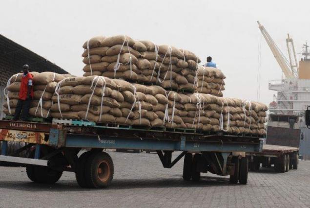 Cocoa trucks blocked in I.Coast's main port