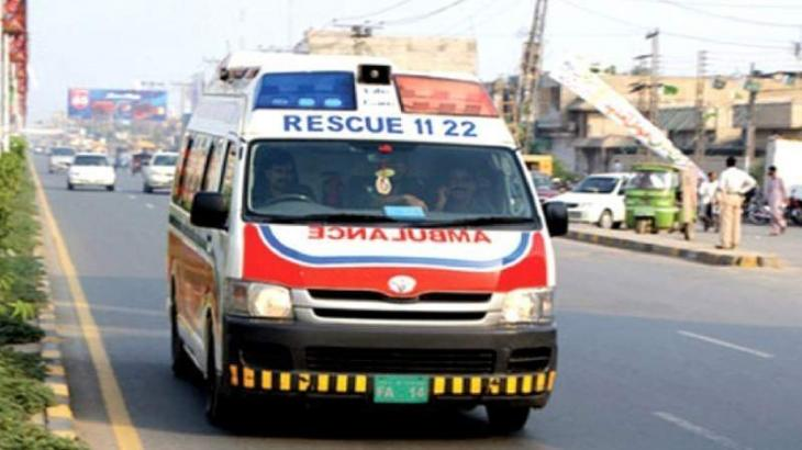Man dies after felling from tractor-trolley