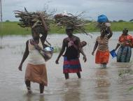 Cyclone Dineo batters southern Mozambique, killing 7