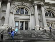 Met Museum chief quits amid expansion and deficits