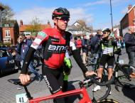 BMC win opening stage at security-tight Vuelta