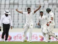 Shakib five-for helps dismiss Aussies for 217