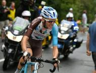 Cycling: Ag2r throw out two Vuelta riders for car tow