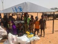 For Malians in Mauritanian desert, going home is a mirage