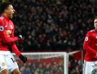 Football: Lingard rescues United, record breaker Kane hits treble ..