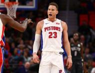 NBA: Wade wins in return, Clippers contain Griffin