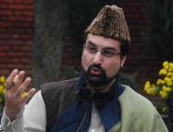 Mirwaiz inquires after Yasin Malik at Soura hospital in Srinagar
