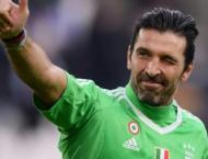 Goalkeeping legend Buffon ready to play again for Italy