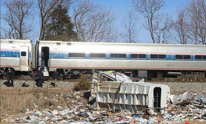 One dead in accident involving train carrying GOP members of Congress