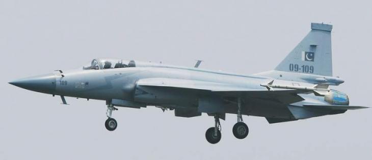 Air Chief Praises Indigenously Produced JF-17 Thunder