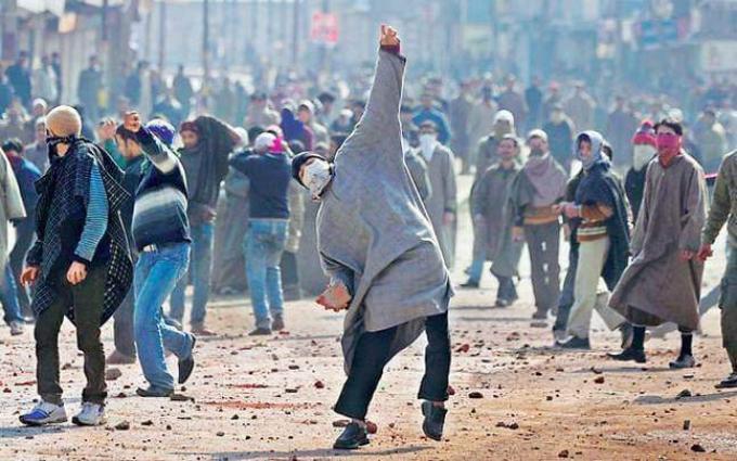 Pakistan stands behind Kashmiris, says Pak PM Shahid Khaqan Abbasi