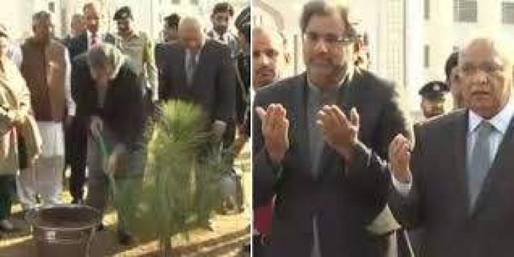 Khaqan Abbasi inaugurates Sui gas project in Mianwali