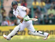 De Villiers bats South Africa into lead