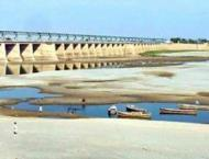Per capita water availability declines to 909 cubic meters