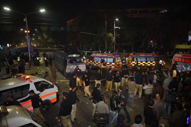 9 killed, 19 injured in Raiwind Lahore suicide attack