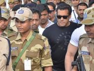 Emotional scenes as Bollywood's Salman Khan arrested from court ..