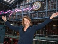 Tracey Emin sends anti-Brexit message in pink neon