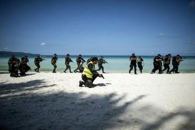 Philippine resort island closes for cleanup