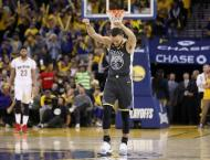 Stephen Curry returns to score 28 as Warriors down Pelicans