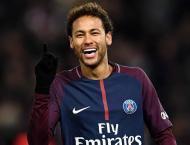 Neymar returns to PSG training ground and works out