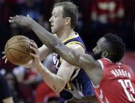 Paul dazzles as Rockets seal series win over Jazz
