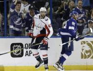 Capitals crush Lightning to seize command of series
